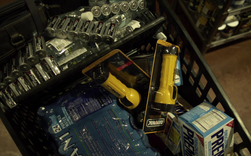 Rayovac, Dasani, Nabisco in Contagion (2011)