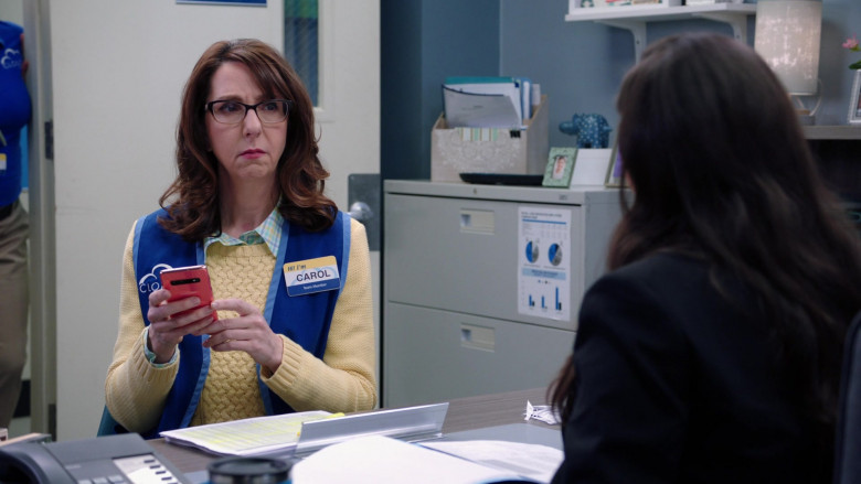 Samsung Galaxy Pink Smartphone Used by Irene White as Carol in Superstore S05E19