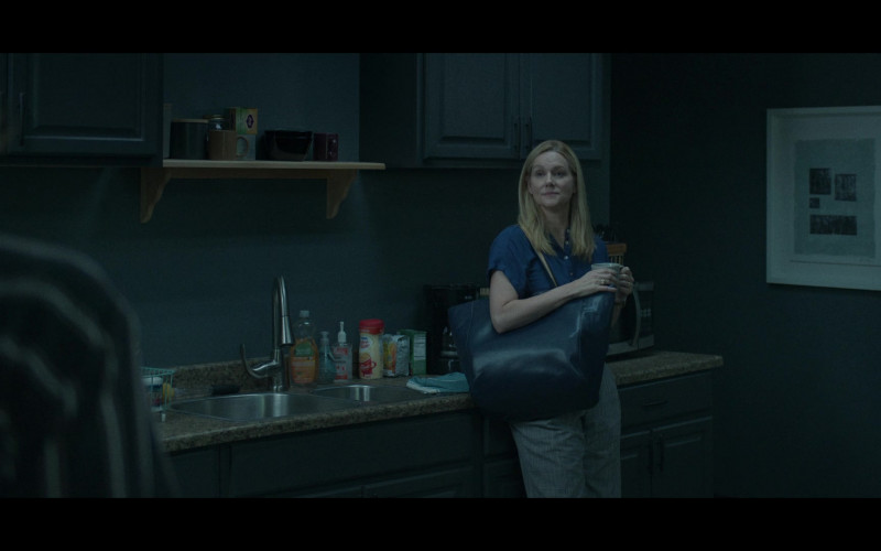 Seventh Generation and Nestlé Coffee-Mate in Ozark S03E06