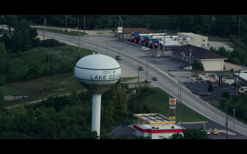 Shell Gas Station in Ozark S03E09