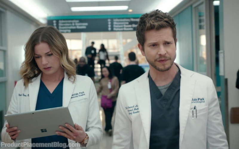 Surface Tablet by Microsoft Used by Emily VanCamp as Nic Nevin in The Resident S03E16