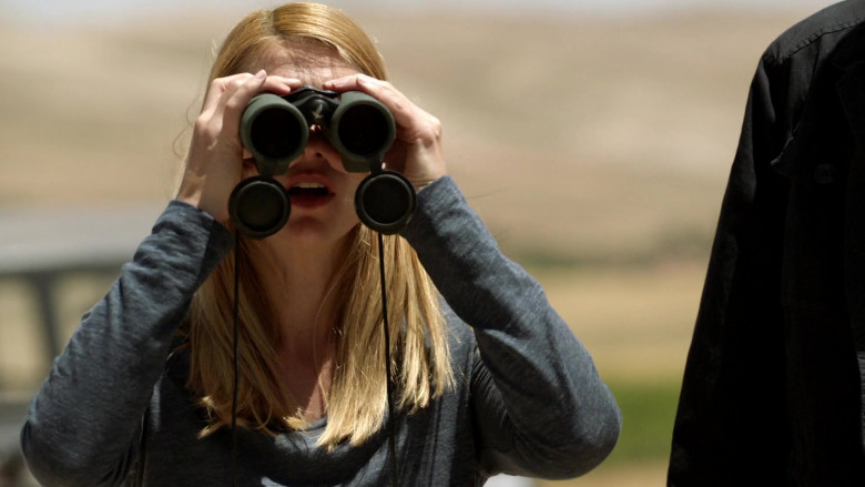 Swarovski Optik Binocular Used by CIA Case Officer Claire Danes as Carrie Mathison in Homeland S08E08 (3)