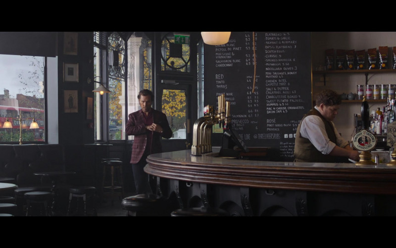 Timothy Taylor's Beer in The Gentlemen (1)