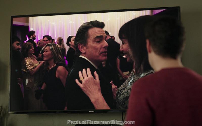 Toshiba TV in Zoey's Extraordinary Playlist S01E04 (2020)