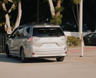 Toyota Sienna Car Driven by Chris Sullivan as Toby Damon in This Is Us S04E18 (3)