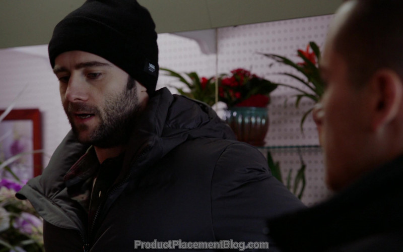 Vans Beanie in Chicago P.D. S07E16 Burden of Truth (2020)