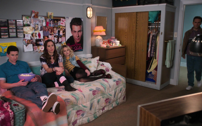 Vans Sneakers Worn by Sam Lerner in The Goldbergs S07E18