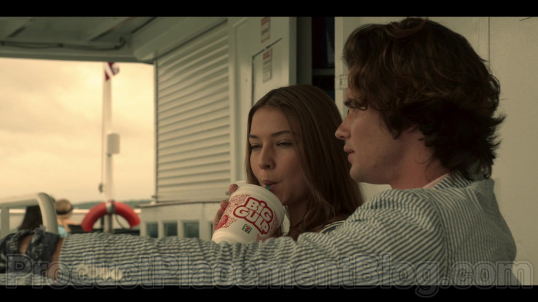 7-Eleven Big Gulp Drinks Enjoyed by Chase Stokes & Madelyn Cline in Outer Banks S01E04 (2)