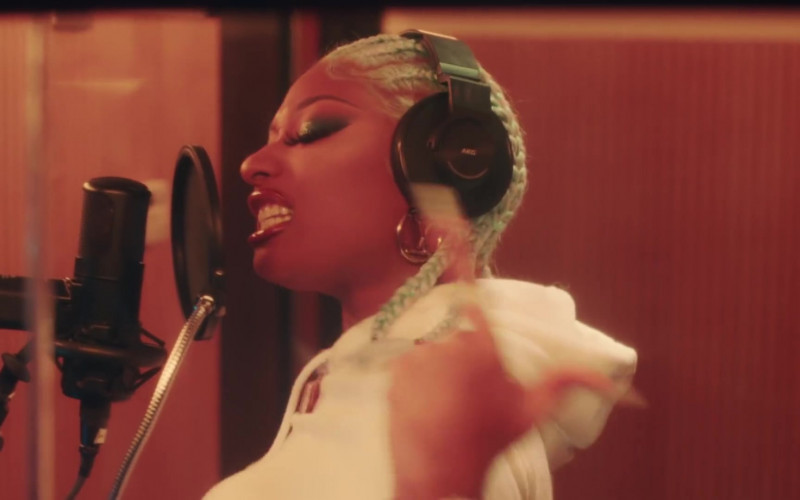 AKG Headphones of Megan Thee Stallion in Captain Hook (3)