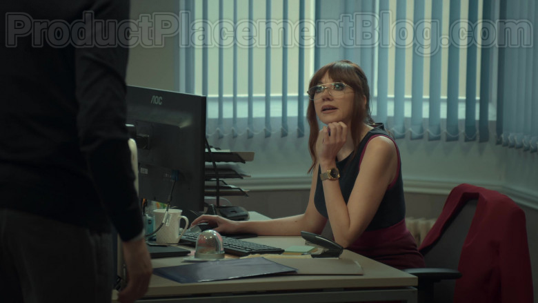 AOC Monitor of Diane Morgan in After Life S02E04 Netflix TV Series (2)