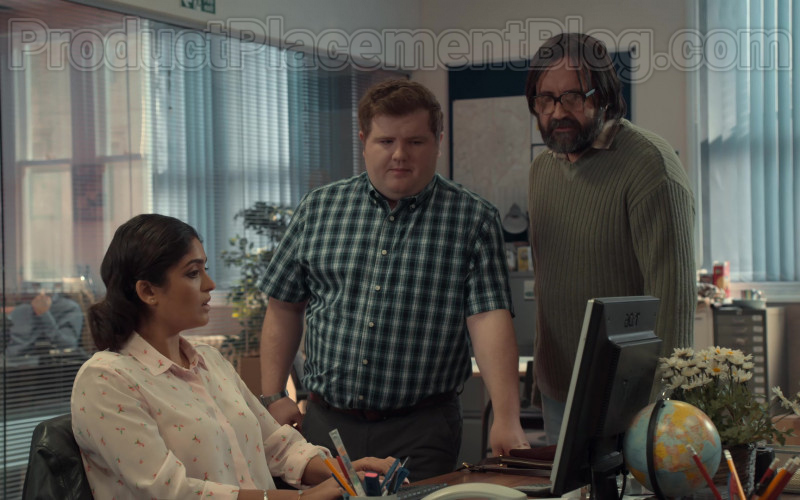 Acer Monitor Used by Mandeep Dhillon as Sandy in After Life S02E06 (2020)