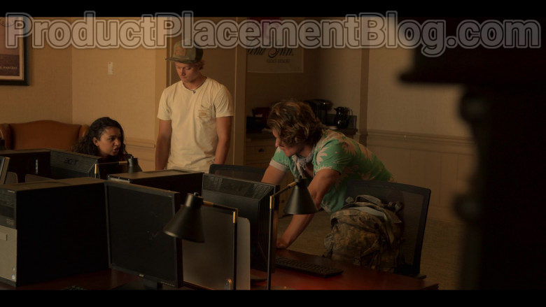 Acer Monitors in Outer Banks S01E03 The Forbidden Zone (3)