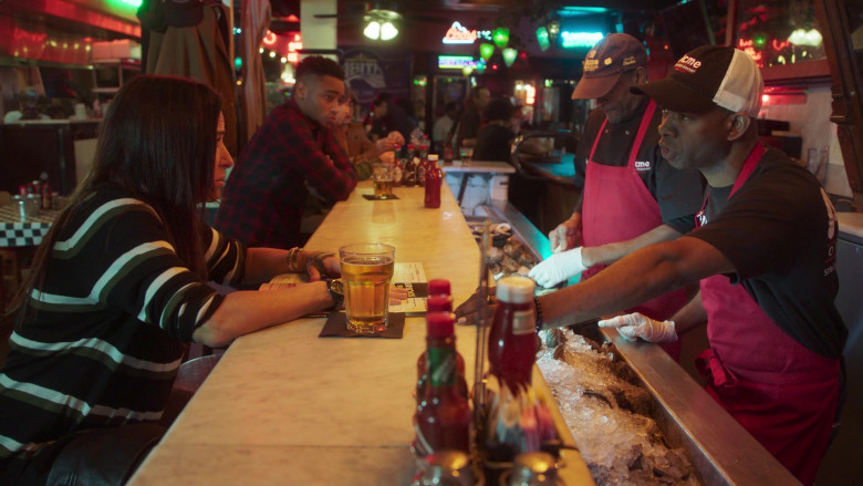 Acme Oyster House Restaurant in Better Things S04E06 New Orleans (1)