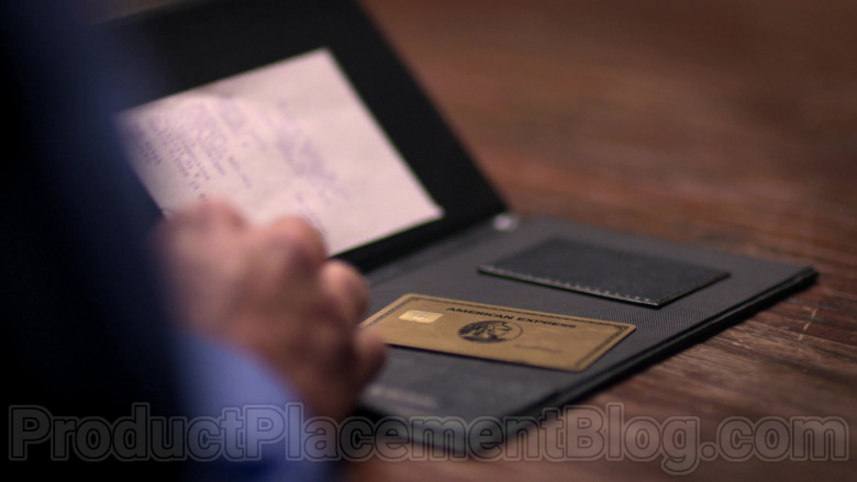 American Express Card in The House of Flowers S03E08