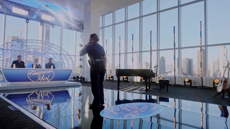 American Idol TV Show in The Rookie S02E16 (5)