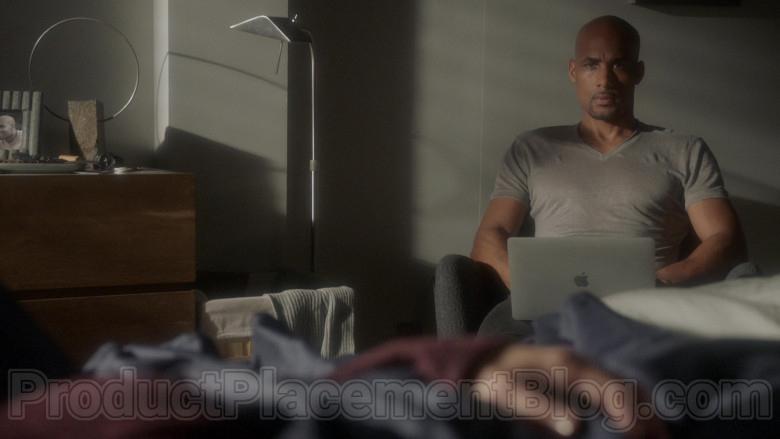 Apple MacBook Laptop of Boris Kodjoe as Robert Sullivan in Station 19 S03E13