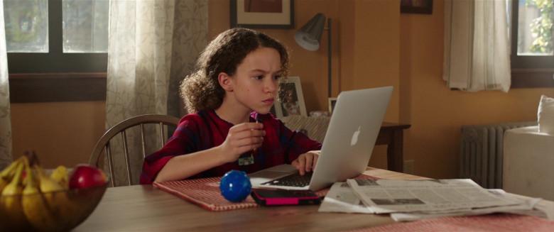 Apple MacBook Laptop of Chloe Coleman as Sophie in My Spy (1)