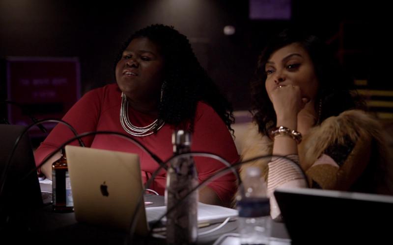 Apple MacBook Laptop of Taraji P. Henson as Cookie in Empire S06E16 We Got Us