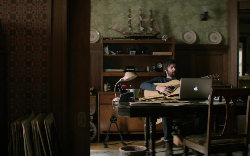 Apple MacBook Pro Laptop Used by Jim Sturgess as Matthew Lisko in Home Before Dark S01E06 (2)