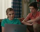 Apple MacBook Pro Laptop in American Housewife S04E16 (3)