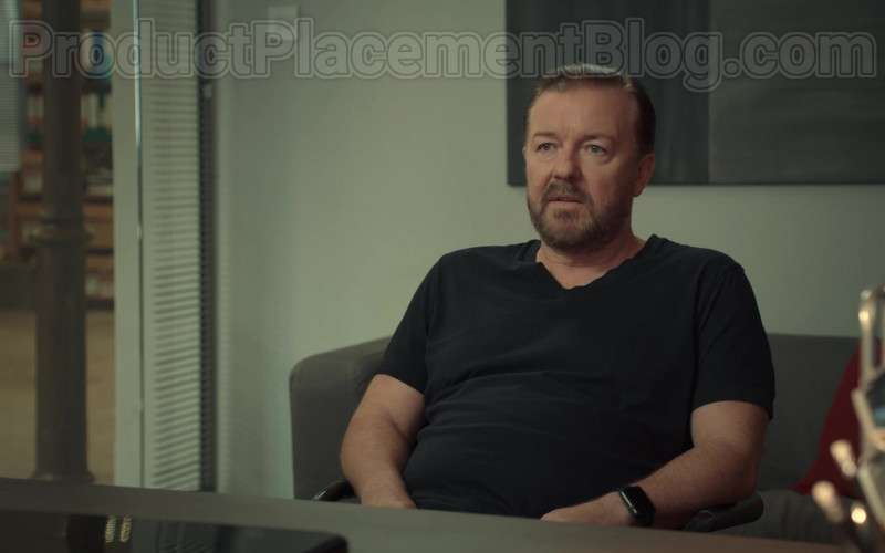 Apple Watch of Ricky Gervais as Tony Johnson in After Life S02E01 (1)