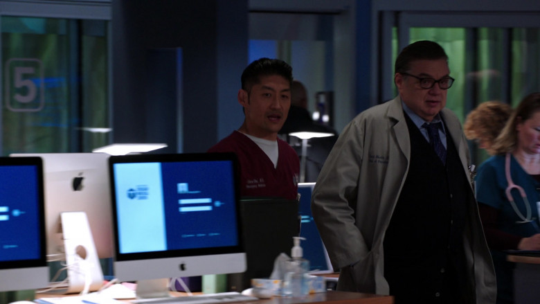 Apple iMac AIO Computers in Chicago Med S05E19 (2)