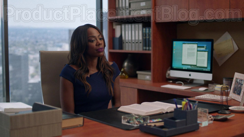 Apple iMac Computer in Insecure S04E02 Lowkey Distant (2)