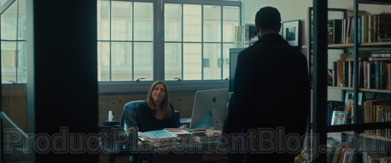 Apple iMac Computer of Chelsea Peretti as Sara Rodgers in The Photograph Movie (2)