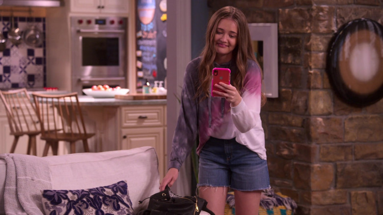 Apple iPhone Mobile Phone of Reylynn Caster as Lola in The Big Show Show S01E07