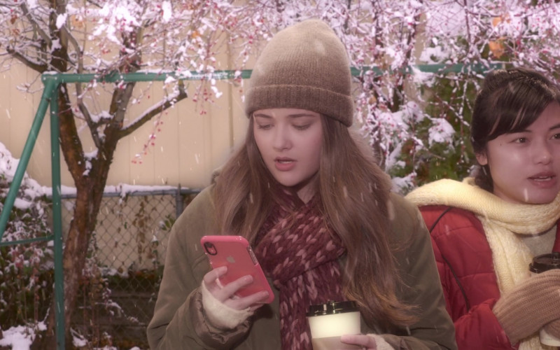 Apple iPhone Smartphone Used by Reylynn Caster as Lola in The Big Show Show S01E08