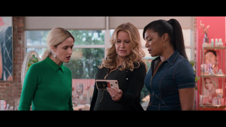 Apple iPhone Smartphone of Jennifer Coolidge in Like a Boss (1)