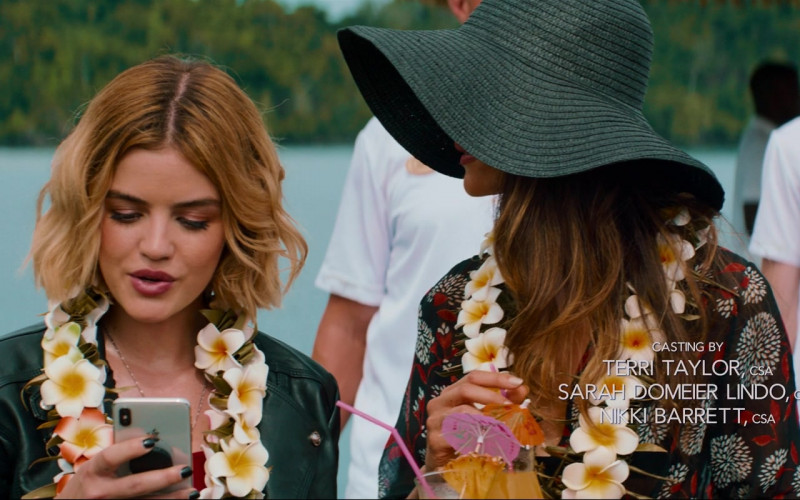 Apple iPhone Smartphone of Lucy Hale in Fantasy Island (2020)