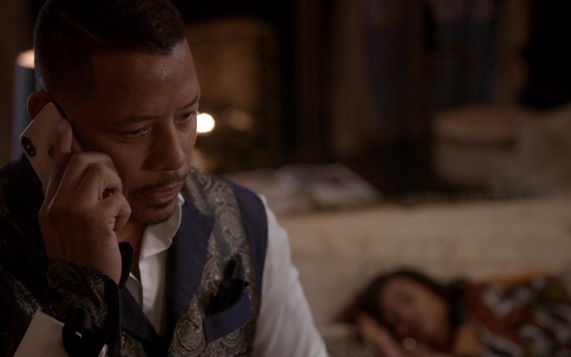 Apple iPhone Smartphone of Terrence Howard as Lucious Lyon in Empire 2015 S06E16 (1)