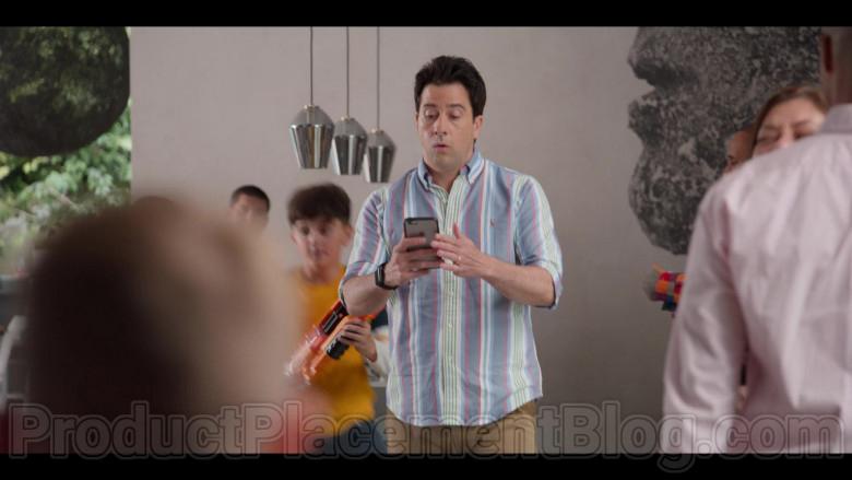 Apple iPhone Smartphone of Troy Garity in #blackAF S01E04 (1)