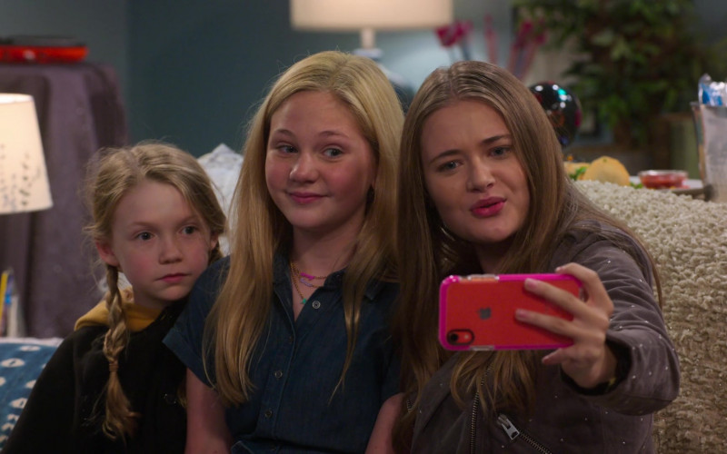 Apple iPhone Used by Juliet Donenfeld, Lily Brooks & Reylynn Caster in The Big Show Show (3)