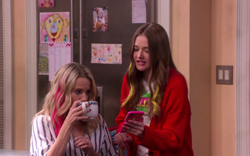 Apple iPhone Used by Reylynn Caster as Lola in The Big Show Show S01E03