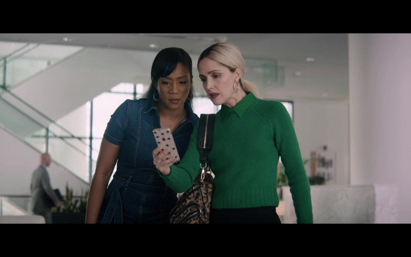 Apple iPhone of Rose Byrne in Like a Boss