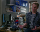 Asus Monitor in Modern Family S11E17 (2)