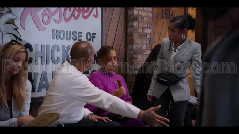 Balenciaga Belt Bag of Iman Benson as Drea Barris in #blackAF S01E05 (2)