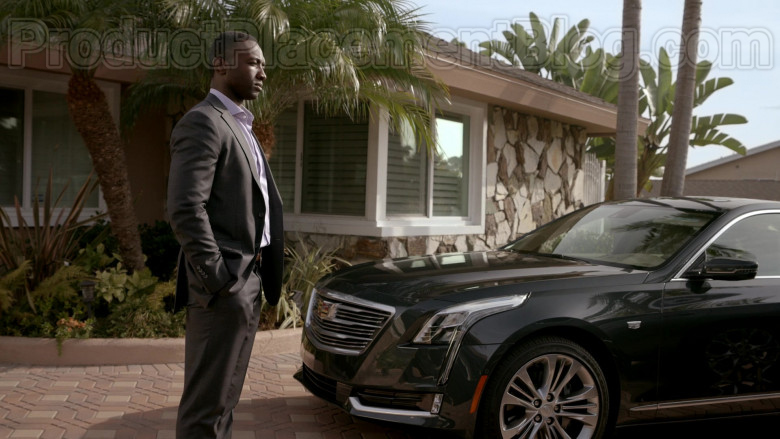 Cadillac Car Driven by Jamie Hector as Detective II Jerry Edgar in Bosch S06E10 (3)