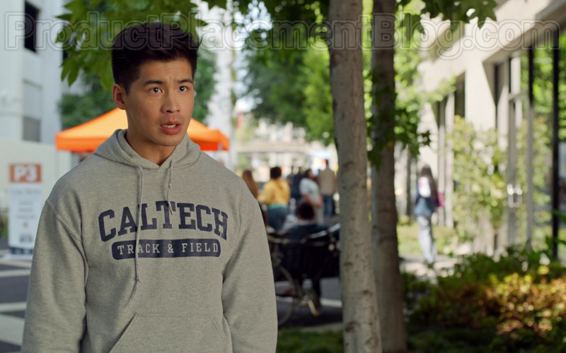 Caltech Hoodie in Never Have I Ever S01E02 … had sex with Paxton Hall-Yoshida (2020)