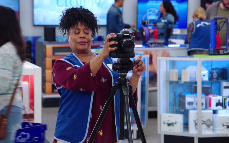 Canon Camera in Superstore S05E21 California Part 1 (2020)