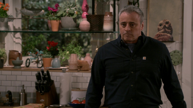 Carhartt Black Shirt Worn by Matt LeBlanc as Adam Burns in Man with a Plan S04E01 (3)