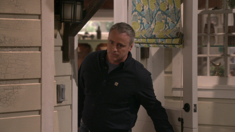 Carhartt Black Shirt Worn by Matt LeBlanc as Adam Burns in Man with a Plan S04E01 (4)