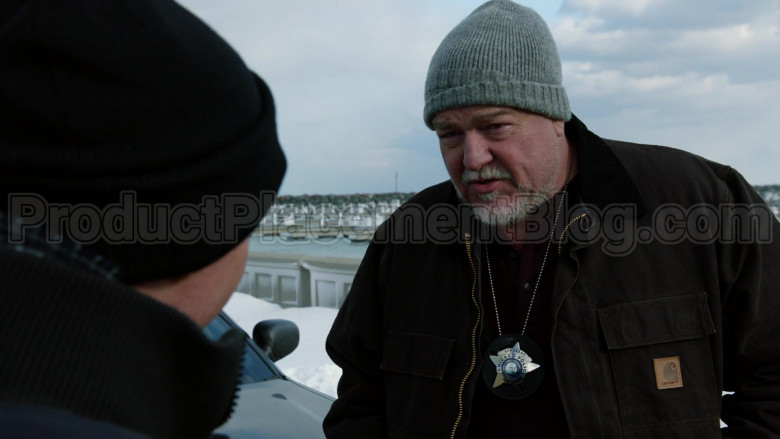 Carhartt Jacket in Chicago P.D. S07E20 Silence of the Night (2)