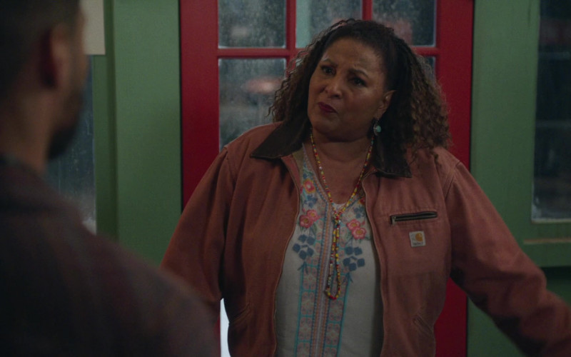 Carhartt Jacket of Pam Grier in Bless This Mess S02E17 (1)