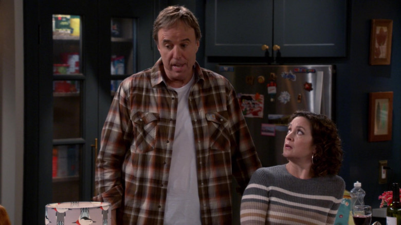 Carhartt Long Sleeve Plaid Flannel Shirt of Kevin Nealon as Don Burns in Man with a Plan S04E02 (3)