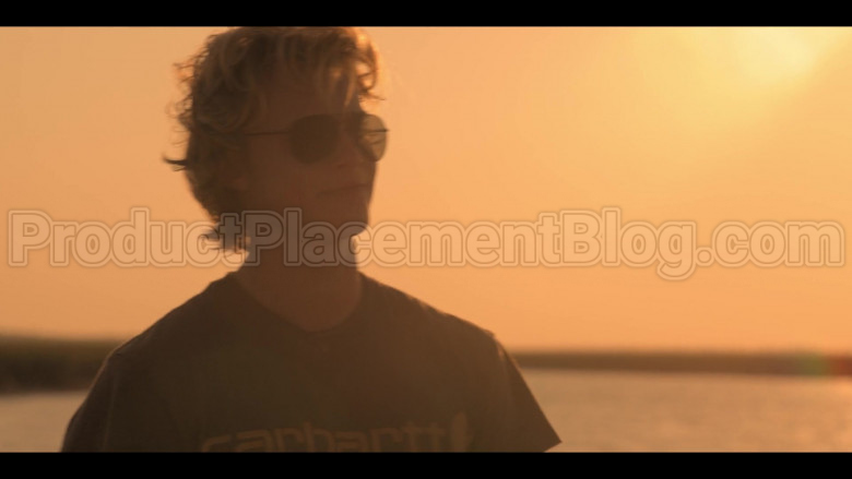 Carhartt T-Shirt of Rudy Pankow as JJ in Outer Banks S01E06