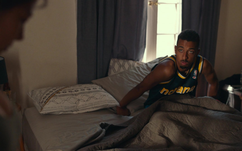 Champion NBA Indiana Pacers Jersey in Dave S01E07 (1)