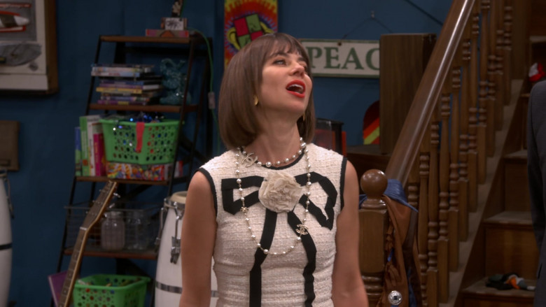 Chanel Dress Worn by Natasha Leggero as Elizabeth in Broke S01E01 (3)
